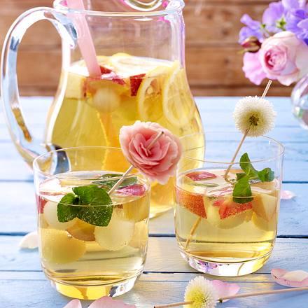 Weißweinbowle mit Nektarinen und Melone Rezept