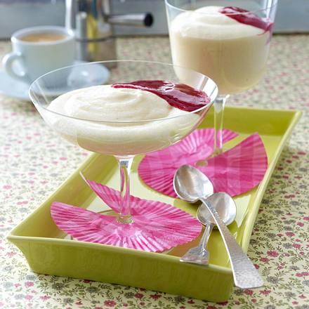 Weißweincreme mit Himbeerpüree Rezept