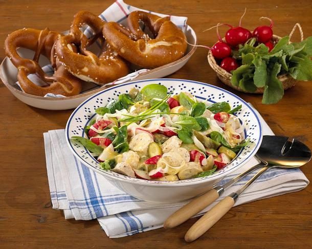 Weißwurst-Radieschen- Salat mit Brezeln Rezept