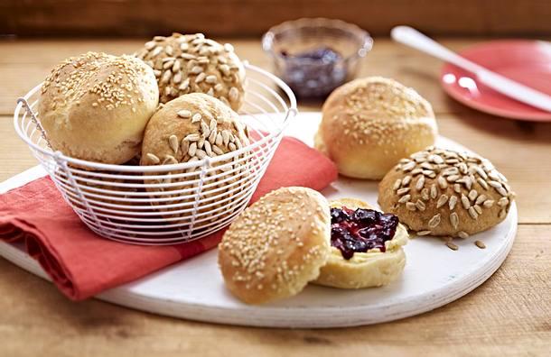 Weizenbrötchen mit Sesam Rezept