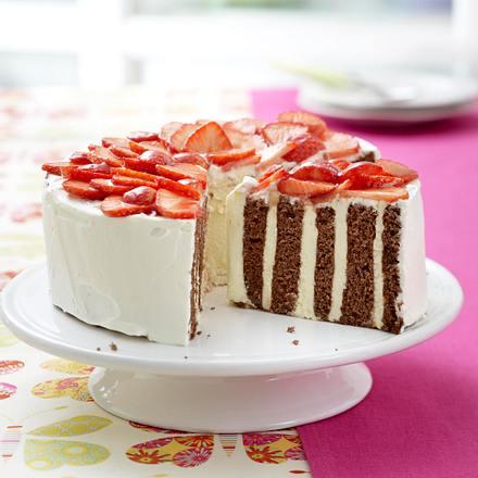 wickel torte mit erdbeer haube rezept chefkoch rezepte auf kochen backen und. Black Bedroom Furniture Sets. Home Design Ideas