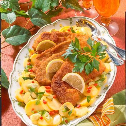 Wiener-Schnitzel auf Kartoffelsalat Rezept
