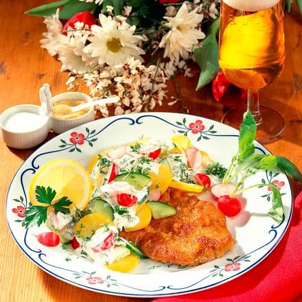 Wiener Schnitzel mit Kräuter-Kartoffelsalat Rezept