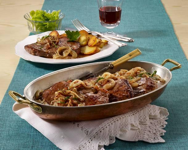 wiener zwiebelrostbraten mit bratkartoffeln rezept chefkoch rezepte auf kochen. Black Bedroom Furniture Sets. Home Design Ideas
