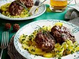 Wildfrikadellen mit schwäbischem Kartoffelsalat Rezept