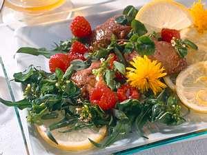 Wildkräutersalat mit Leber und Himbeeren Rezept