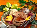 Wildschweinkeule mit Quitten und Rotkohl  Rezept