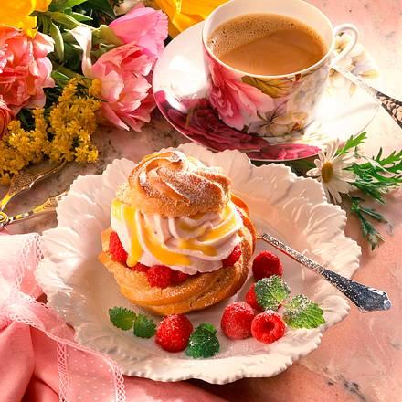 Windbeutel mit Himbeer- Joghurtcreme Rezept