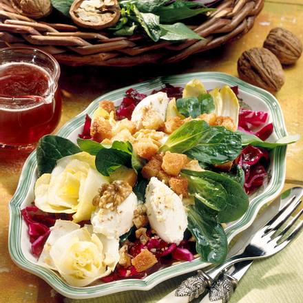 Wintersalat mit Frischkäsebällchen Rezept