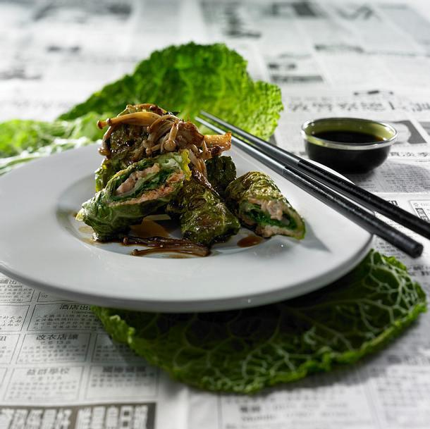 Wirsing-Lachs-Päckchen mit Wasabicreme Rezept