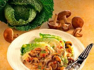 Wirsingspalten mit Pilz-Sahnesoße Rezept