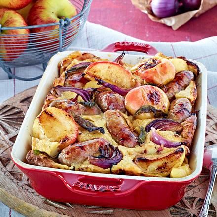 Würstchen im Teig mit Äpfeln und Zwiebeln Rezept