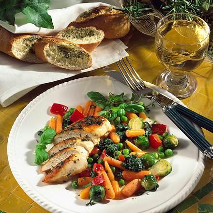Würzige Hähnchenfilets mit bunter Gemüsemischung Rezept