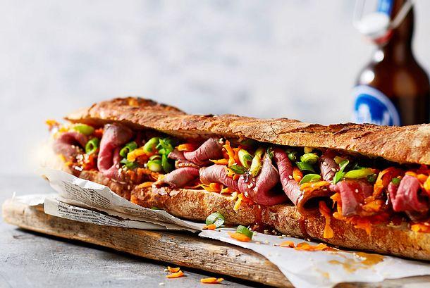 XXL-Sandwich mit Roastbeef und Veggies Rezept
