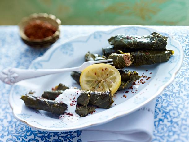 Yaprak Sarmasi (Weinblätter mit scharfen Linsen) Rezept