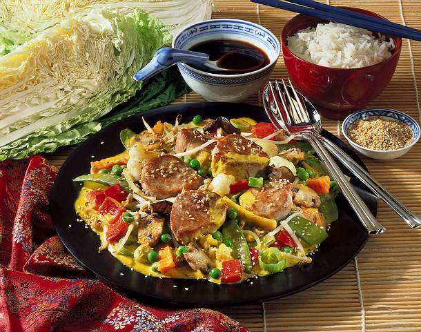 Zarte Medaillons auf Asia-Gemüse Rezept