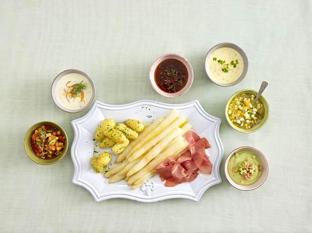 Zerlassene Butter mit Semmelbröseln und Ei Rezept