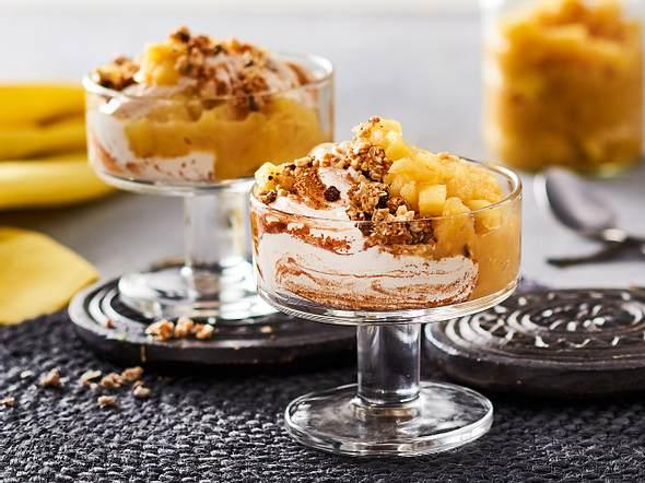 Zimtcreme mit Apfelkompott und Crunch-Hokuspokus Rezept