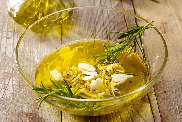 Zitrone-Knoblauch-Rosmarin Grillmarinade Rezept