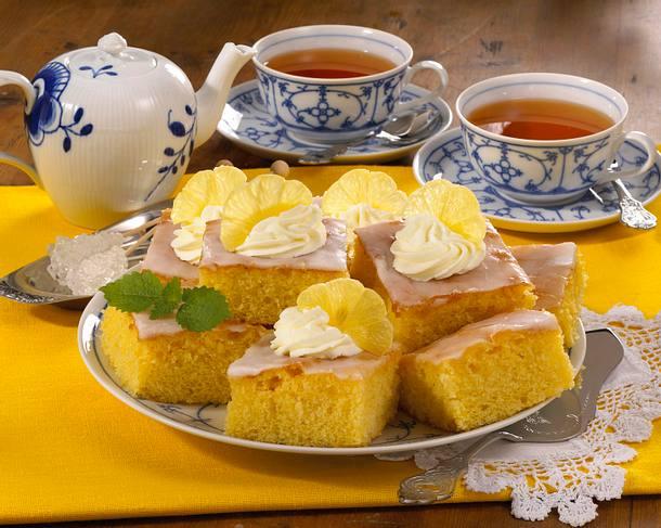 Zitronen-Blechkuchen Rezept