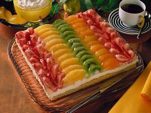 Zitronen-Früchtekuchen vom Blech (mit Backmischung) Rezept