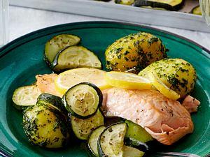 Zitronen-Lachs mit Kartoffeln aus dem Ofen Rezept