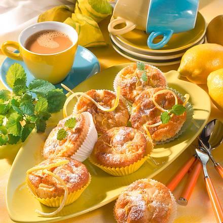 Zitronen-Muffins mit Äpfeln und Rosinen Rezept