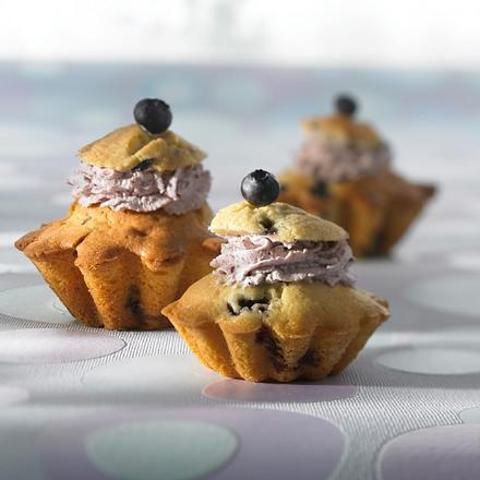 Zitronen-Muffins mit Heidelbeersahne Rezept