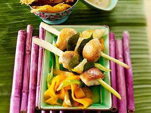 Zitronengras-Hähnchen-Spieße mit karamellisiertem Gemüse Rezept