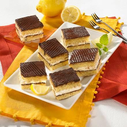 Zitronenkuchen-Schnitten mit Schokoguss Rezept