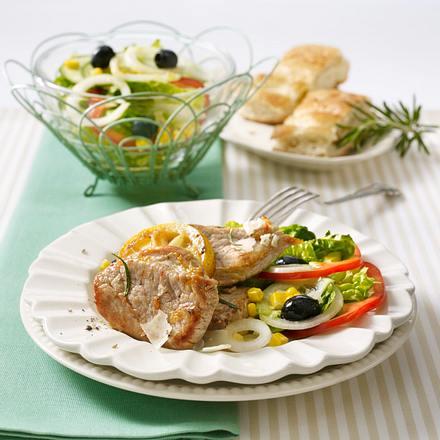 Zitronenschnitzel mit Bauernsalat Rezept