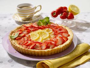 Zitronentarte mit Erdbeeren Rezept