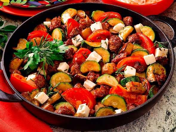 Zucchini-Auberginen-Hackpfanne Rezept