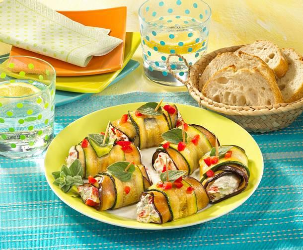 Zucchini-Auberginenröllchen mit Frischkäse Rezept