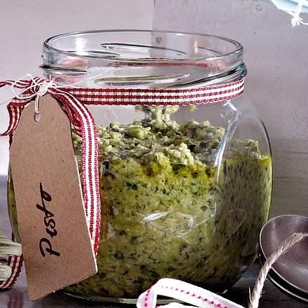 Zucchini-Basilikum-Pesto Rezept