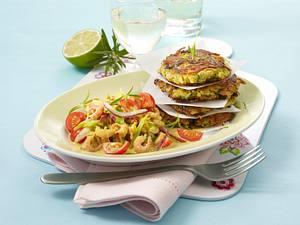 Zucchini-Kartoffelrösti mit Krabbensalat Rezept