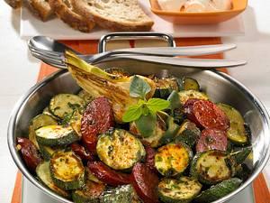 Zucchini-Pfanne mit Cabanossi Rezept