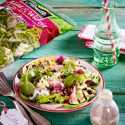 Zucchini-Salat mit Räucherforelle Rezept