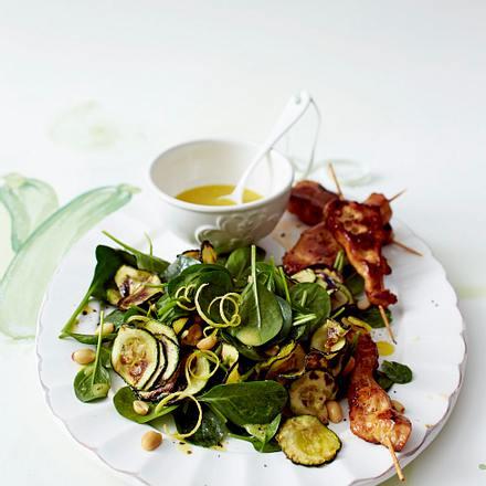 Zucchini-Spinat-Salat mit Hähnchen Rezept