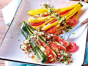Zucchini-Fächer mit Camembert Rezept