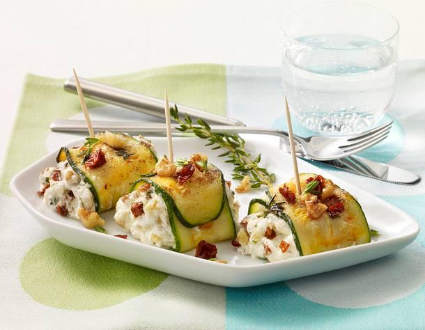 Zucchiniröllchen mit Ziegenkäsecreme Rezept