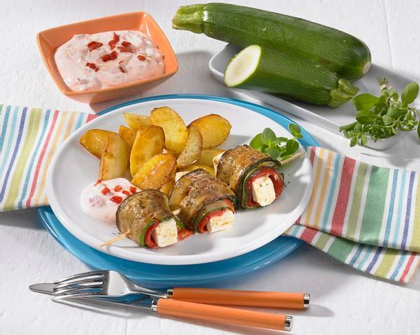 Zucchinispieße mit Röstkartoffeln Rezept