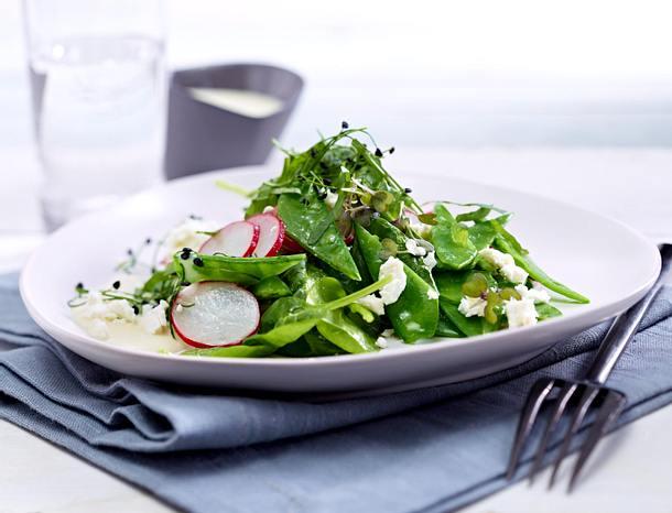 Zuckerschoten-Salat mit Blattspinat Rezept