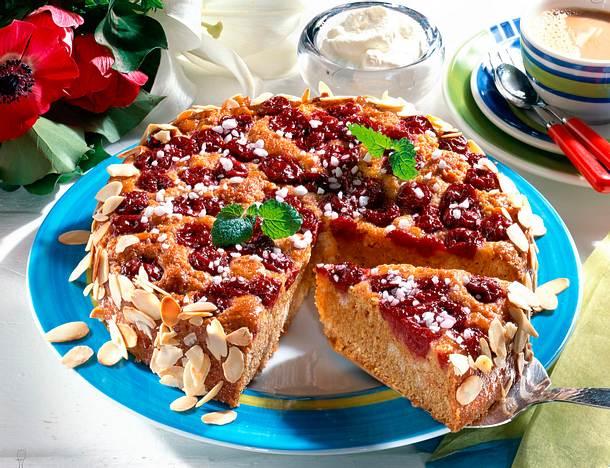 Zwieback-Kirschkuchen Rezept