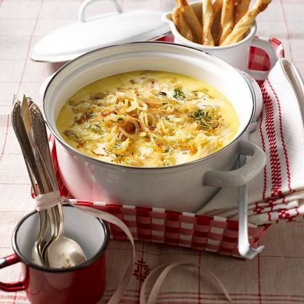Zwiebel-Rahm-Senf-Suppe Rezept