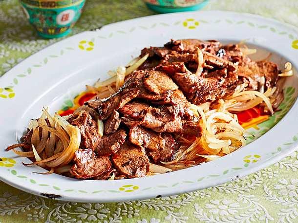 Zwiebel-Rindfleisch mit der kraft der Fünf Gewürze Rezept
