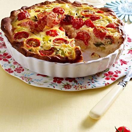 Zwiebel-Tomaten-Quiche mit Hackfleisch Rezept