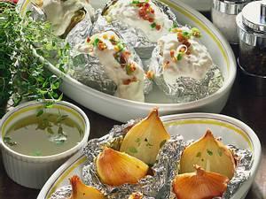Zwiebeln und Kartoffeln in Folie Rezept