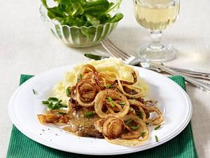 Zwiebelrostbraten vom Schwein zu Kartoffelpüree Rezept