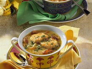Zwiebelsuppe mit Käse-Talern Rezept